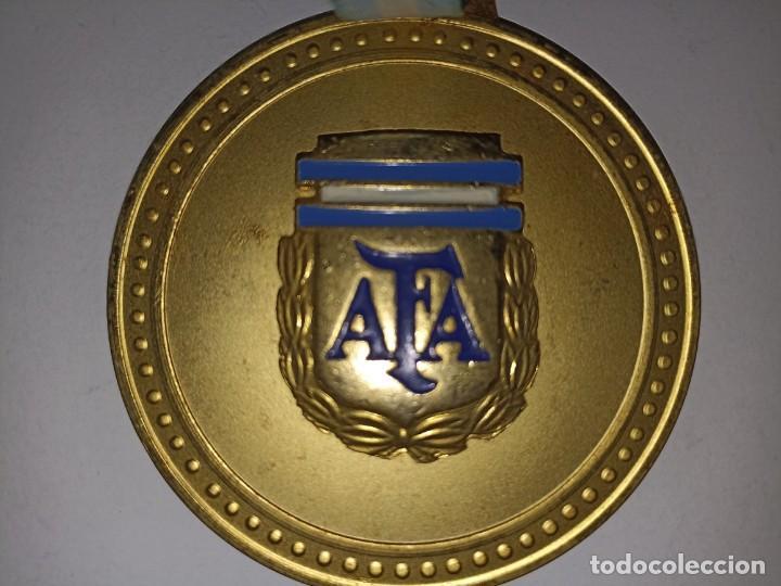 Coleccionismo deportivo: Medalla original Copa Confraternidad Rioplatense sub 17 Argentina Campeón - Foto 2 - 278297203