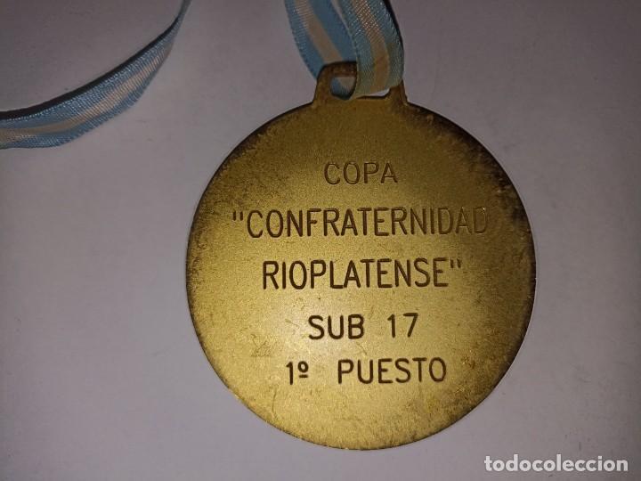 Coleccionismo deportivo: Medalla original Copa Confraternidad Rioplatense sub 17 Argentina Campeón - Foto 3 - 278297203