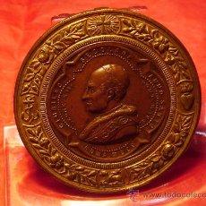 Medallas históricas: MEDALLA DE LEÓN XIII.AÑO 1900. Lote 21827573