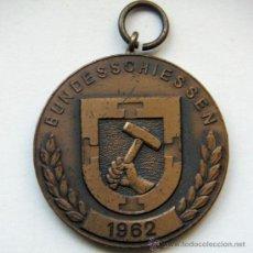 Medallas históricas: MEDALLA ALEMANA 1962. Lote 26576921