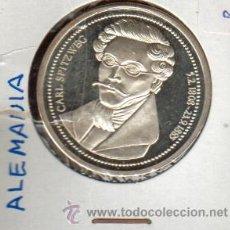 Medallas históricas: PRECIOSA MEDALLA DE PLATA DEDICADA AL PINTOR ALEMAN CARL SPITWEG VER FOTOS. Lote 27062094