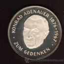 Medallas históricas: PRECIOSA MEDALLA DE PLATA CONMEMORATIVA DEDICADA AL CANCILLER KONRAD ADENAUER VER FOTOS. Lote 27507753