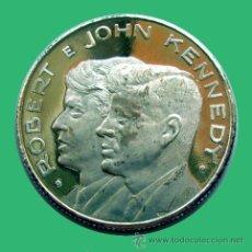 Medallas históricas: MEDALLA HISTÓRICA . ROBERT E JOHN KENNEDY. Lote 27744707