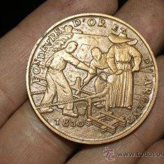 Medallas históricas: MEDALLA DE SOUVENIR DE MUSEO DE PARIS 1830. Lote 34072511