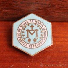 Medallas históricas: ANTIGUA INSIGNIA ESMALTADA DE LA CONGREGACION DE HIJAS DE MARIA INMACULADA AÑO 1934 CON IMPERDIBLE. Lote 36698336