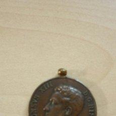 Medallas históricas: MEDALLA CONMEMORATIVA MAYORIA EDAD ALFONSO XIII. Lote 37027898