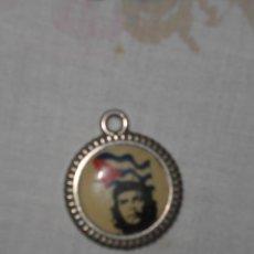 Medallas históricas: MEDALLA DEL CHE GUEVARA - ARGENTINA - AÑOS 60 - ERNESTO GUEVARA - FOTO GUERRILLERO HEROICO. Lote 38605120