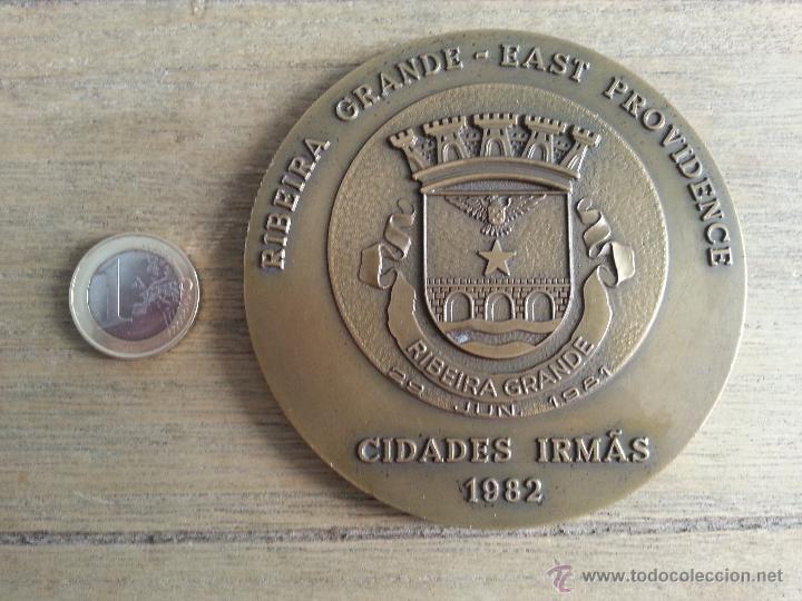 MEDALLA DE RIBEIRA GRANDE- EAST PROVIDENCE. CIDADES IRMAS. AÑO 1982.PORTUGAL (Numismática - Medallería - Histórica)