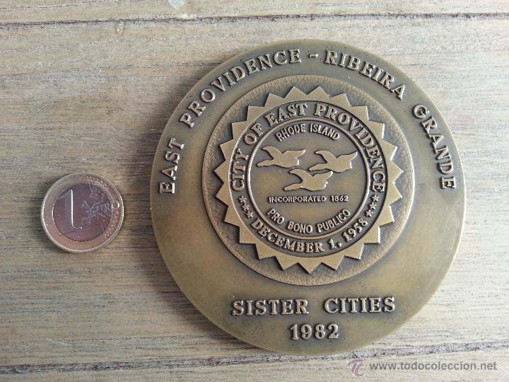 Medallas históricas: MEDALLA DE RIBEIRA GRANDE- EAST PROVIDENCE. CIDADES IRMAS. AÑO 1982.PORTUGAL - Foto 2 - 43288884