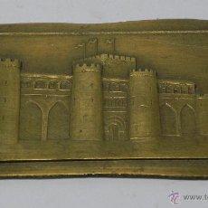 Medallas históricas: MEDALLA O PLACA EN RELIEVE DE PALACIO O CASTILLO, REALIZADA EN BRONCE, MIDE 9,5 X 6 CMS.. Lote 47340506