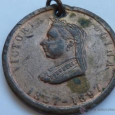 Medallas históricas: MEDALLA CONMEMORATIVA DE 1897 DE LA REINA VICTORIA DE INGLATERRA 1837-1897, CON EFEMERIDES. Lote 48671861