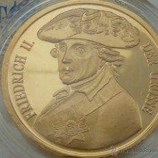 Medallas históricas: MEDALLA CONMEMORATIVA DE 1991 FEDERICO II EL GRANDE DE PRUSIA, COBRE CHAPADO EN ORO, CON CERTIFICADO. Lote 49694484