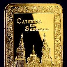Medallas históricas: LINGOTE ORO DE LA CATEDRAL DE SANTIAGO CAMINO DE SANTIAGO XACOBEO EDICION MUY LIMITADA EN RELIEVE. Lote 101667252