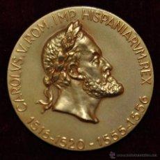 Medallas históricas: MEDALLA PRIMERAS REPERCUSIONES POLITICAS DEL ORO AMERICANO EN EUROPA. CAROLUS V. CALICO 1966. Lote 54457925
