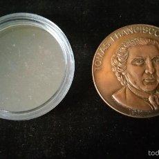 Medallas históricas: MEDALLA CONMEMORATIVA A TOMAS GARCIA PRIETO UN LIBRO GRABADO. Lote 57402945