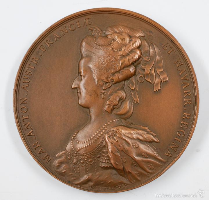 Medallas históricas: LUDOVICUS XVI FRANC ET NAV REX. (du vivier f.) reverso maria antonieta, bronce, 7,5 diámetro. - Foto 2 - 62504304