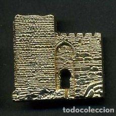 Medallas históricas: MEDALLA INSIGNIA ORO - CASTILLO TORRE DEL RELOJ - JIMENA CADIZ - Nº14. Lote 73480059