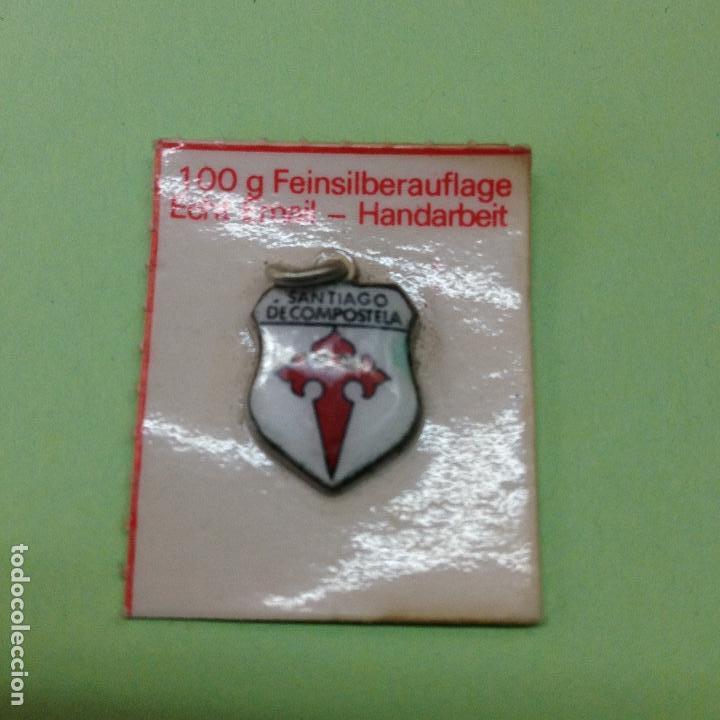 Medallas históricas: PEQUEÑA MEDALLA DE SANTIAGO DE COMPOSTELA-baño de plata fina, trabajo manual de esmalte genuino - Foto 3 - 83310308