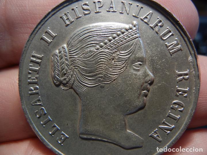 Medallas históricas: Medalla de la visita de la Reina Isabel II a Sevilla.1862. - Foto 2 - 84340280