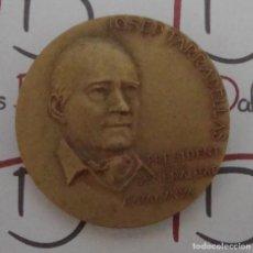 Medallas históricas: MEDALLA CONMEMORATIVA JOSEP TARRADELLAS 1977 POR CALICO. Lote 86949040