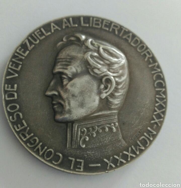 Medallas históricas: Medalla Centenario de la muerte del Libertador Simón Bolívar por el Congreso de Venezuela 1930 - Foto 3 - 88327424