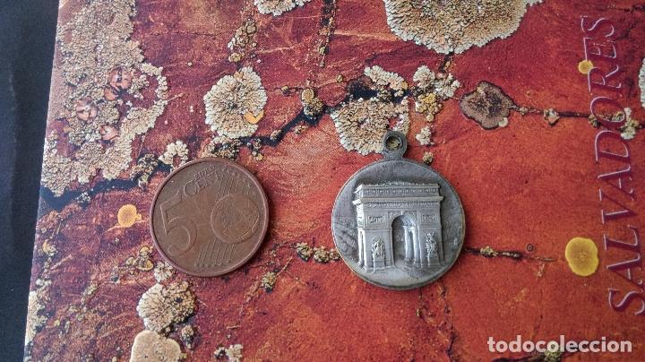 Medallas históricas: Antigua medalla Francia France Arco de Triunfo de París Eiffel tour - Foto 2 - 88635868