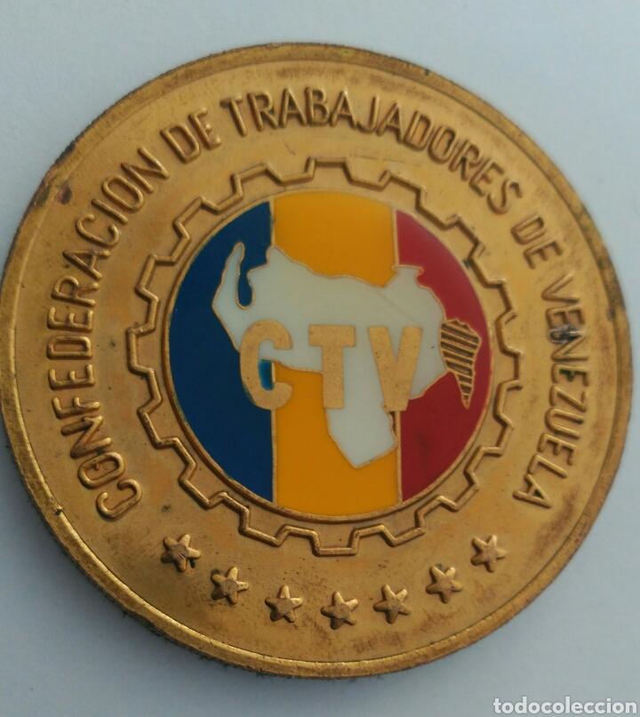 Medallas históricas: MEDALLA DEL 50 ANIVERSARIO DE LA CONFEDERACIÓN DE TRABAJADORES DE VENEZUELA. C.T.V. 1986 - Foto 3 - 88797434