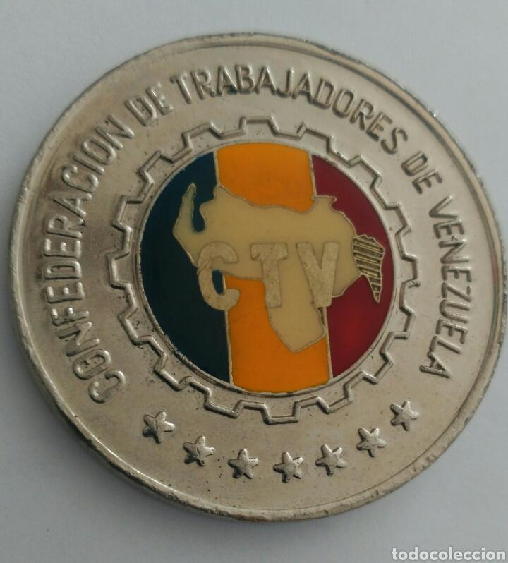 Medallas históricas: MEDALLA DEL 50 ANIVERSARIO DE LA CONFEDERACIÓN DE TRABAJADORES DE VENEZUELA. C.T.V. 1986 - Foto 3 - 88797975