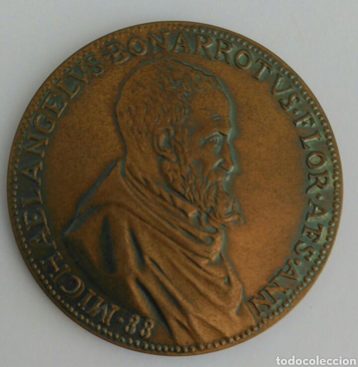 Medallas históricas: MEDALLA DE LA UNESCO DE MIGUEL ANGEL BUONARROTI. 1a EDICIÓN 1974 - Foto 6 - 89809204