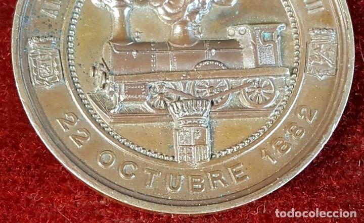 Medallas históricas: MEDALLA DE BRONCE. INAUGURACIÓN DEL FERROCARRIL DE CANFRANC. OCTUBRE DE 1882. - Foto 2 - 90709275