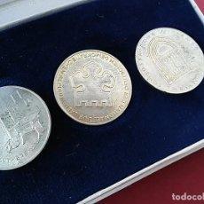 Medallas históricas: ESTUCHE DE MEDALLAS CONMEMORATIVAS DE LOS 450 AÑOS DE LA REFORMA LUTERANA. ALEMANIA ORIENTAL.. Lote 96291047