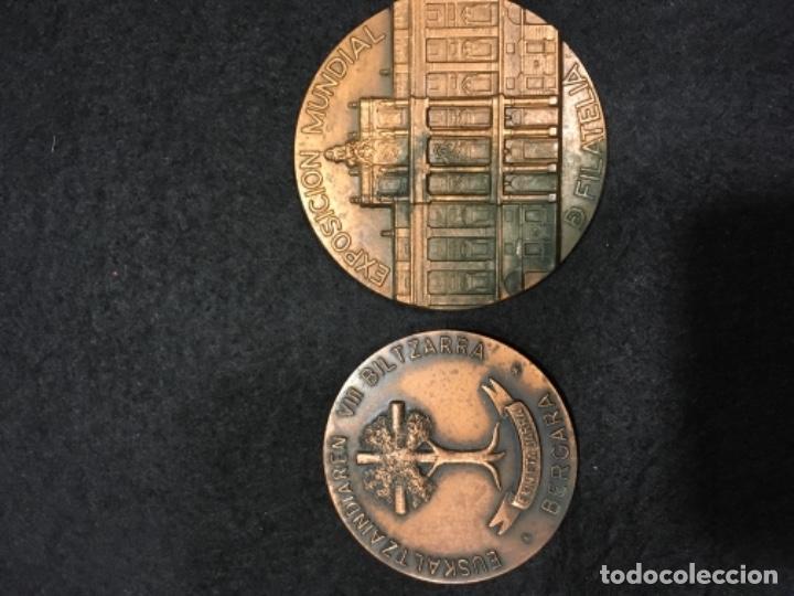 DOS MEDALLAS (Numismática - Medallería - Histórica)