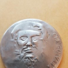 Medaglie storiche: CHE GUEVARA MEDALLA GRANDE DE ALUMINIUM. Lote 107298099