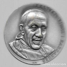 Medallas históricas: MEDALLA METAL PLATEADO - FRANCESC VIDAL I BARRAQUER - CARDENAL DE LA PAU - DISEÑO PUJOL. Lote 110876071