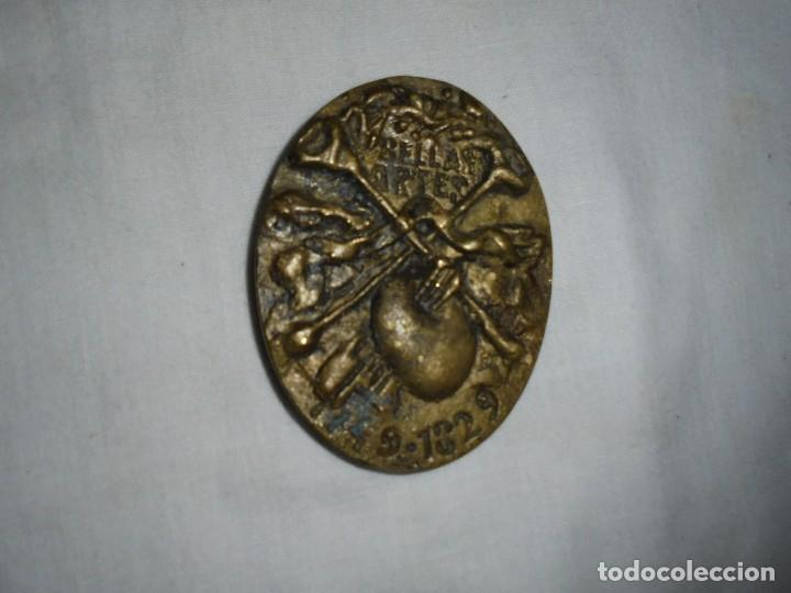 Medallas históricas: CEAN BERMUDEZ MEDALLA DE LA COLECCION ASTURIANOS ILUSTRES.ESCULTOR KIKER 1981 - Foto 2 - 116621539