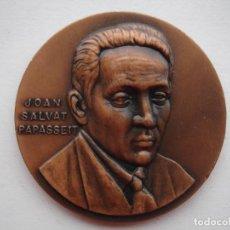 Medallas históricas: MEDALLA CONMEMORATIVA DE JOAN SALVAT PAPASSEIT. Lote 116696735