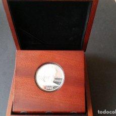 Medallas históricas: ESTADOS UNIDOS- ONE DOLLAR 1995 (PLATA 26,57GR.)EN ESTUCHE-ESPOSITOR DE MADERA )PROOF SC UNC (G110 ). Lote 118078435