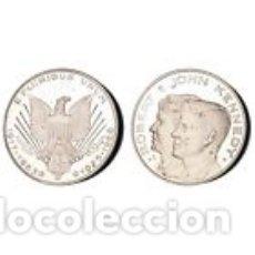 Medallas históricas: MEDALLA ROBERT Y JHON F KENNEDY NO ES DE PLATA. Lote 122040986