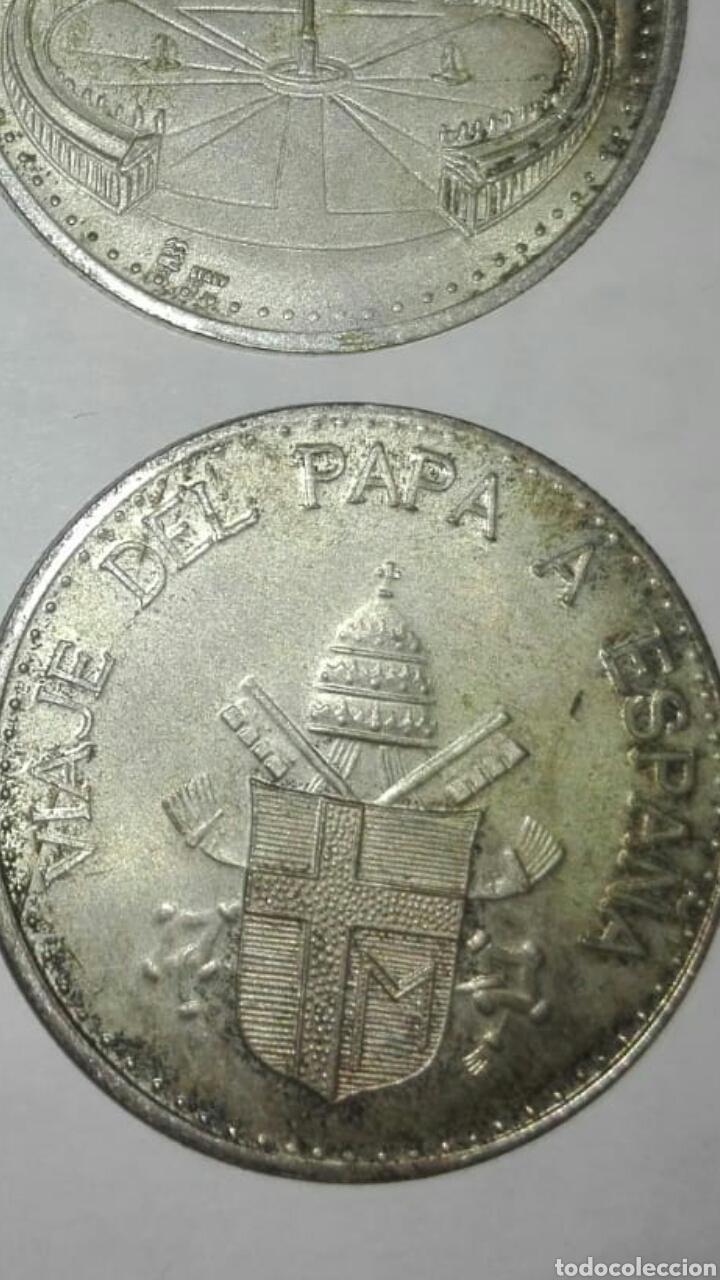 4 MONEDAS DIFERENTES PAPA JUAN PABLO LL, UNA DEL VIAJE DEL PAPA A ESPAÑA (Numismática - Medallería - Histórica)