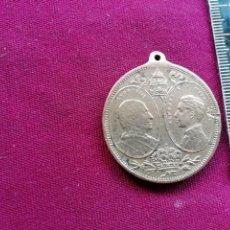 Medallas históricas: MEDALLA DEL PAPA LEÓN XIII Y EL REY ALFONSO XIII. 1905. Lote 130593210
