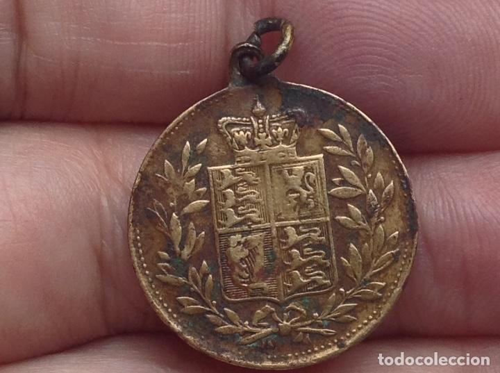 Medallas históricas: ANTIGUA MEDALLA VICTORIA QUEEN AND EMPRESS - Foto 4 - 132132518