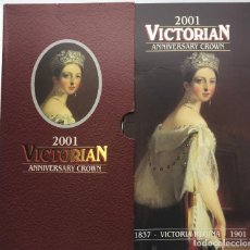 Medallas históricas: UNITED KINGDOM 2001 5 LIBRAS POUNDS CROWN VICTORIAN REGINA UK MINT FOLDER VICTORIA.. Lote 136655278
