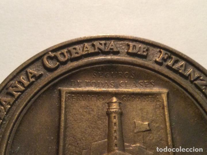 Medallas históricas: Medalla Compañia Cubana de Fianzas SA. Cincuentario diam. 7,5cm - Foto 2 - 136754762