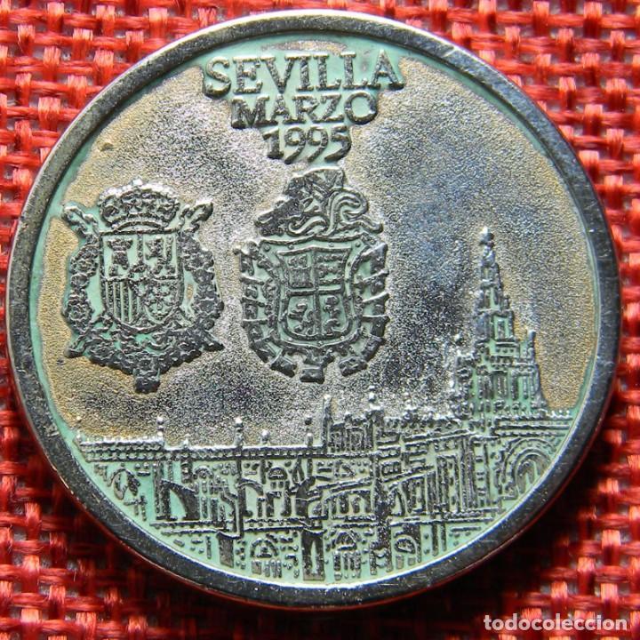 Medallas históricas: Moneda conmemorativa de Bodas Reales - 1995 - Sevilla - Jaime y Elena - Diametro 31 mm - Foto 2 - 137546030