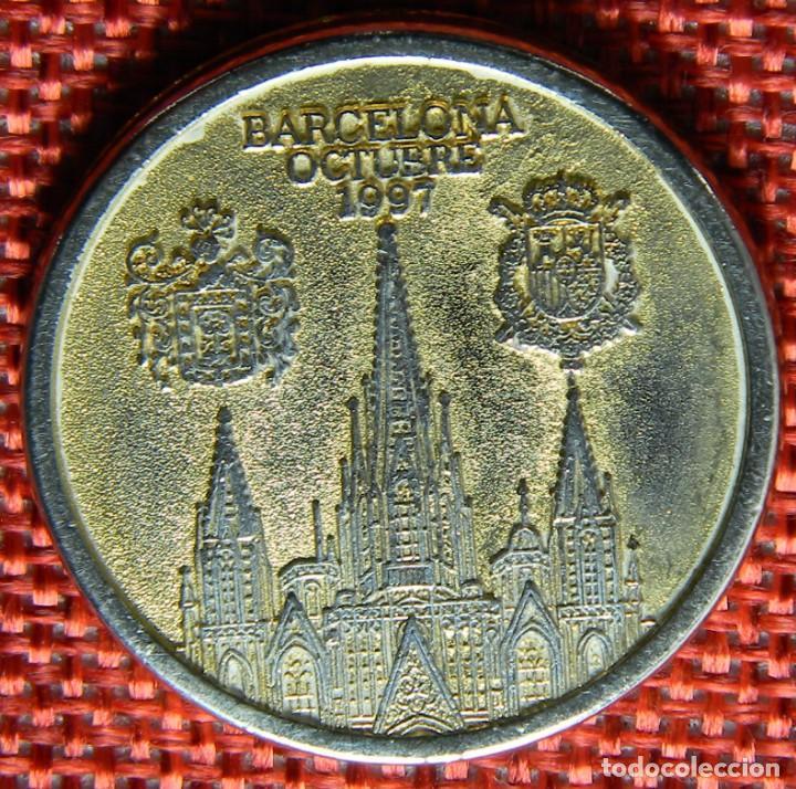 Medallas históricas: Moneda conmemorativa de Bodas Reales - 1997 - Barcelona - Iñaki y Cristina - Diametro 31 mm - Foto 2 - 137546182