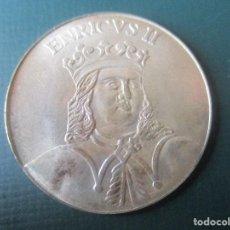 Medallas históricas: MEDALLA DE PLATA. ENRIQUE II DE CASTILLA Y LEON. Lote 137808818