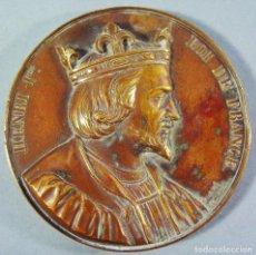 Medallas históricas: MEDALLA EN BRONCE DE HENRI I ROI DE FRANCE. FIRMADA CAQUÉ , 1838.. Lote 138568018