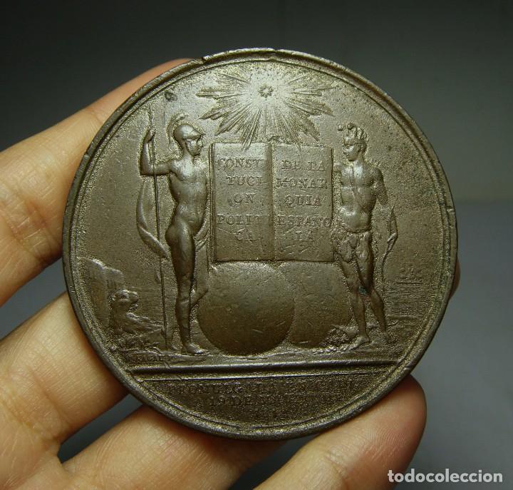 Medallas históricas: Medalla de la Promulgación de la Constitución. Fernando VII. Cádiz. Grabador Sagau y Dalmau. - Foto 2 - 139821294