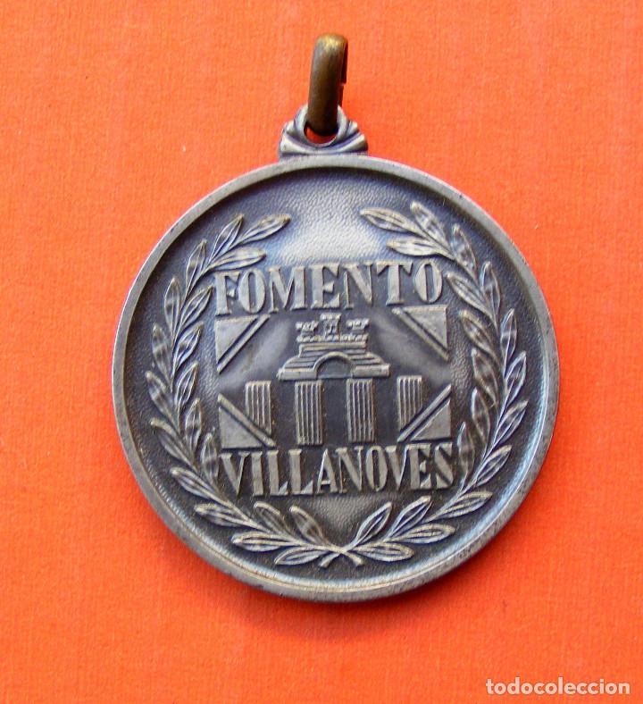 MEDALLA FOMENTO VILLANOVES, MIDE SIN ANILLA 4 CM (Numismática - Medallería - Histórica)