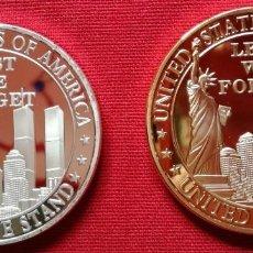 Medallas históricas: DOS MONEDAS ORO Y PLATA NO PODEMOS OLVIDAR RECUERDO TORRES GEMELAS (NUEVA).. Lote 182669055